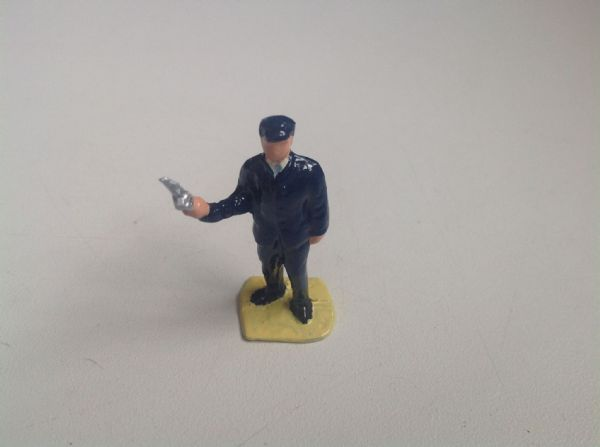 Painted White Metal O ' Gauge Figure 29